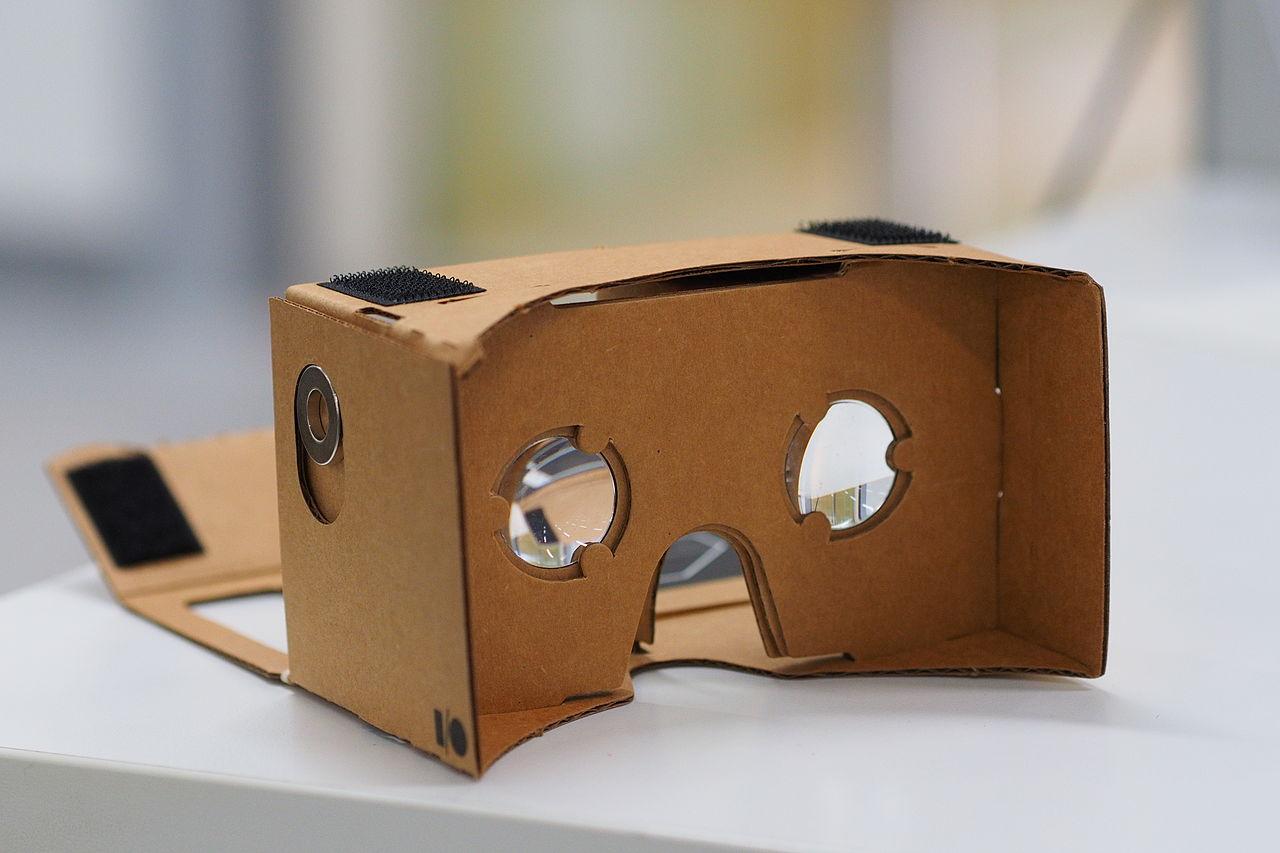 1280px-assembled_google_cardboard_vr_mount